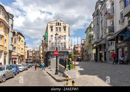 PLOVDIV, BULGARIE - Mai 6, 2019: Rue et maisons à rue piétonne du centre-ville de Plovdiv, Bulgarie Banque D'Images