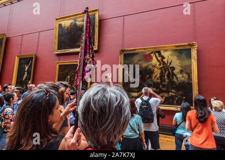 France, Paris, musée du Louvre, peinture 'La Liberté guidant le Peuple de Delacroix Eugene' Banque D'Images