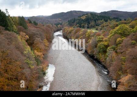 La rivière Garry dans le col de Killiecrankie près de Pitlochry, Perthshire Banque D'Images