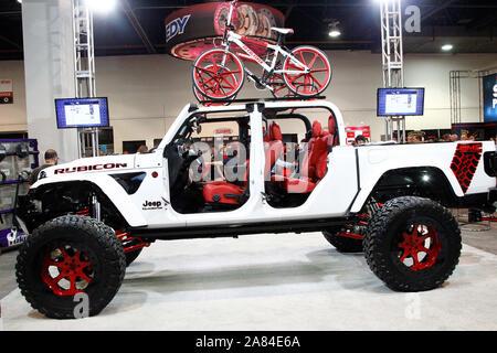 Las Vegas, États-Unis. 05Th Nov, 2019. Une Jeep Gladiator 2019 sur mesure sur l'affichage pendant la SEMA Show 2019, au centre des congrès de Las Vegas à Las Vegas, Nevada, le Mardi, Novembre 5, 2019. Photo de James Atoa/UPI UPI: Crédit/Alamy Live News
