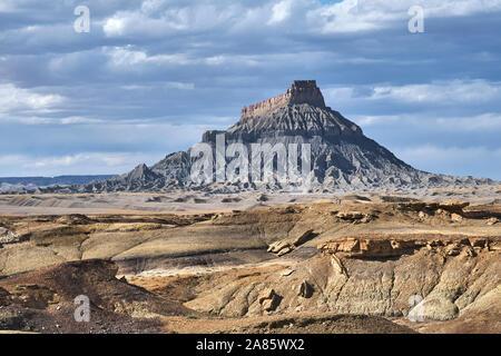 Factory Butte dans l'Utah, USA Banque D'Images