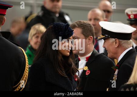 Londres, Royaume-Uni. 7 novembre, 2019. Duc et Duchesse de Sussex vu à la cérémonie d'ouverture du champ du souvenir à l'extérieur de l'abbaye de Westminster, Londres, Royaume-Uni. Crédit: Joe Keurig / Alamy News Banque D'Images