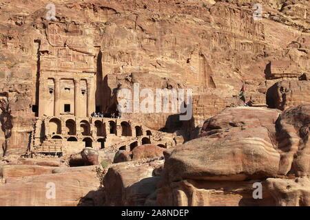 Tombeau de l'urne (Qabr Al Jarrah), des tombes royales, vue du Trésor Trail, Petra, Wadi Musa, le Gouvernorat de Ma'an, Jordanie, Moyen-Orient