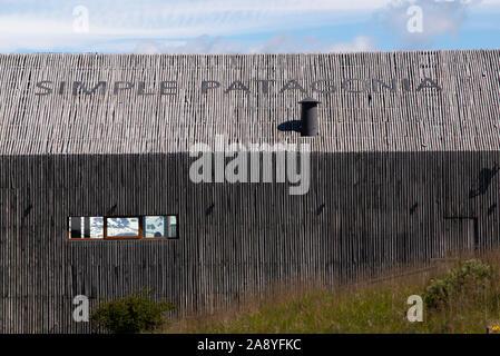 Côté de l'hôtel simple dans la région de Magallanes Puerto Natales, XII, Patagonie, Chili. Banque D'Images