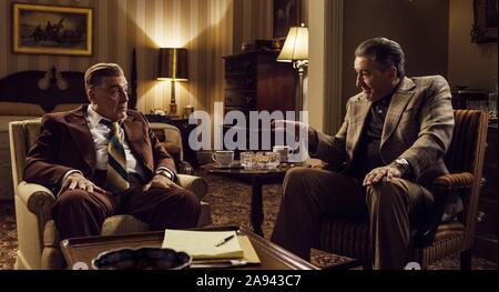 L'irlandais, de gauche: Al Pacino comme Jimmy Hoffa, Robert De Niro, 2019. © courtoisie / Netflix Everett Collection