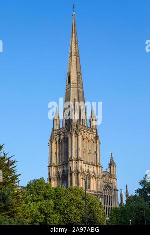 Une vue sur la magnifique église St Mary Redcliffe dans la ville de Bristol, Angleterre.