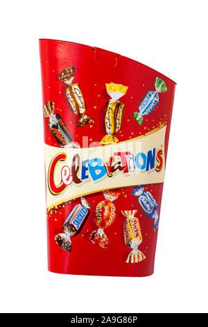 Boîte de chocolats célébrations isolé sur fond blanc Banque D'Images
