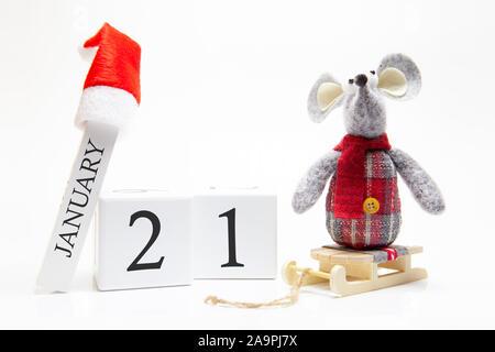 Calendrier en bois avec le numéro 21 janvier. Bonne Année! Symbole de la Nouvelle Année 2020 - blanc ou en métal (argent) rat. La décoration de Noël. Banque D'Images