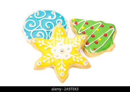 Gingerbread cookies sur fond blanc Banque D'Images