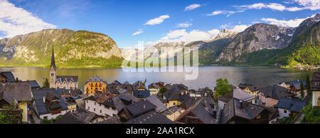 Hallstatt Autriche, panorama nature paysage de Hallstatt village avec lac et montagne