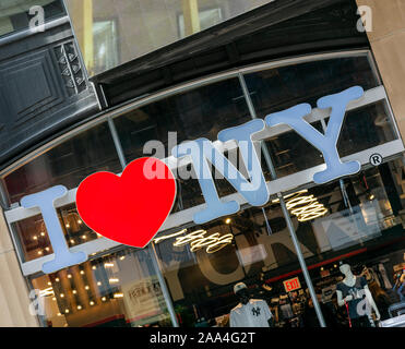 J'aime New York gift shop sign, Times Square, Manhattan, New York, USA Banque D'Images