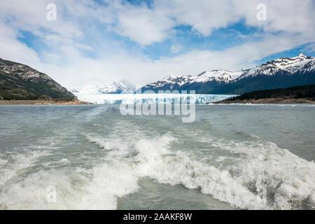 Le glacier Perito Moreno, le Parc National Los Glacieres, Argentine.