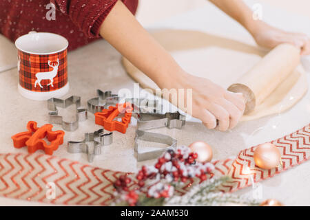 Close-up de dérouler la pâte d'épices sur un comptoir Banque D'Images