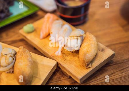 Une bonne portion de sushi style coréen Banque D'Images