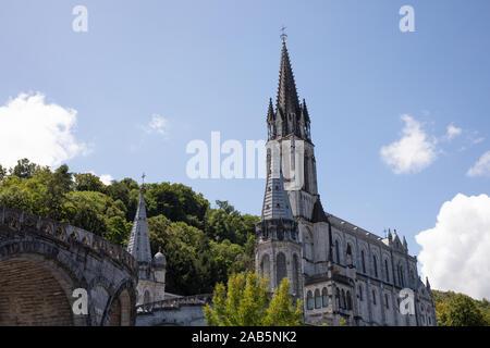 Le sanctuaire de Notre-Dame de Lourdes, Lourdes, France
