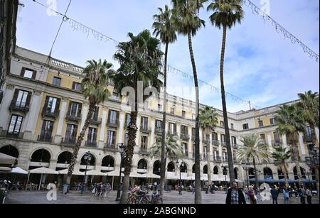 Placa Reial juste à côté de Las Ramblas, dans le quartier gothique, Barelona