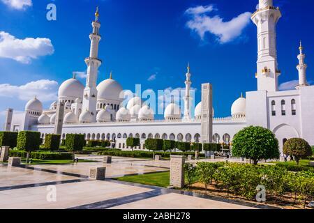 Grande Mosquée de Sheikh Zayed à Abu Dhabi, Emirats Arabes Unis.
