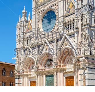 Façade du Duomo (la Cathédrale de Sienne), Sienne, Toscane, Italie, Europe.
