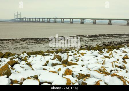 Le nouveau pont Severn dans la neige