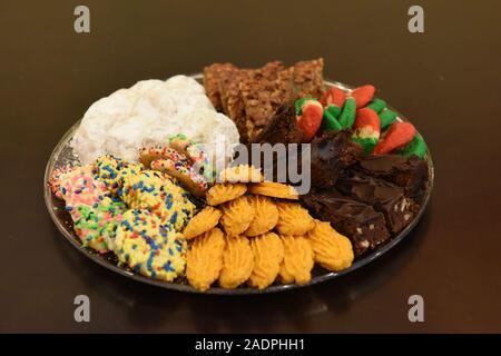 Assortiment de biscuits de Noël de diverses saveurs