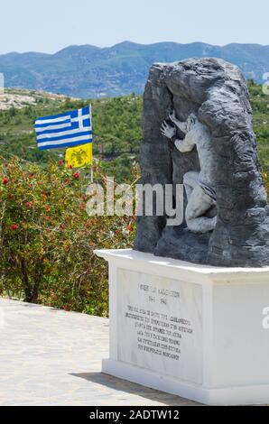 Village de Monolithos, Rhodes, Grèce - 28 mai 2019: War mémorial dédié à la résistance grecque de l'île de Rhodes et le Dodécanèse archipela