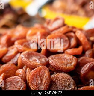 Tas d'abricots secs close-up au marché, l'Ouzbékistan Banque D'Images