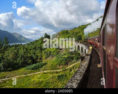 Sur Le Train À Vapeur Jacobite Banque D'Images