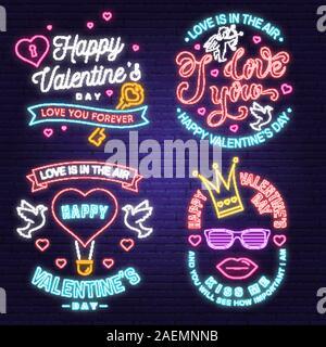 Happy Valentines Day jeu de carte de vœux au néon, des prospectus. Tout ce qu'il vous faut, c'est l'amour. Stamp, badge avec coeur, Dove, touche et ballon à air chaud. Vecteur. Valentines Day lumineux néon pancarte, banderole lumineuse