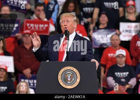 HERSHEY, PA - 10 décembre: le président américain Donald Trump prend la parole à un rassemblement électoral le 10 décembre 2019 à Giant Center à Hershey, en Pennsylvanie. Banque D'Images
