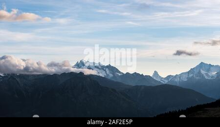 Plage le long de la montagne, Bettmeralp Wallis dans les alpes suisses en Suisse, l'Europe de l'Ouest Banque D'Images