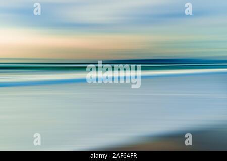 Plage au coucher du soleil. Résumé fond marin, line art, motion blur Banque D'Images
