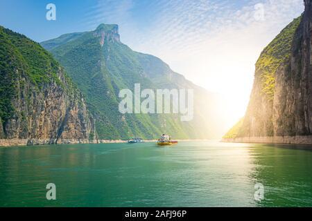 Navires sur le fleuve Yangtze, Chine