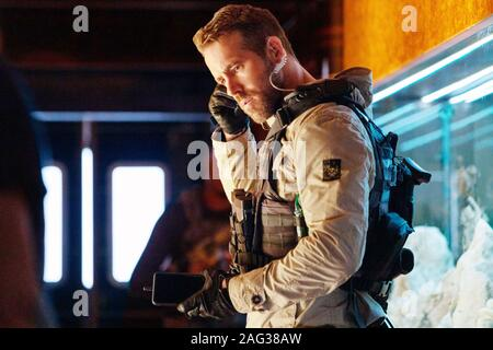 Métro 6, (alias SIX souterrain), Ryan Reynolds, 2019. ph: Christian / noir / Netflix © Courtesy Everett Collection