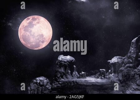 Au cours de la nuit, les montagnes rocheuses avait pleine lune et étoile. Banque D'Images