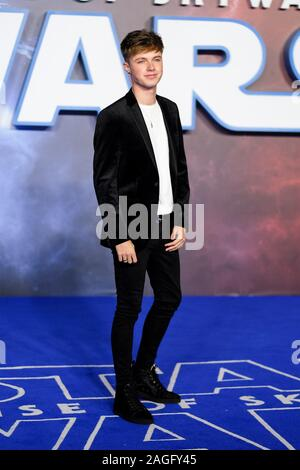 Cineworld Leicester Square, Londres, Royaume-Uni. 18 décembre 2019. HRVY pose au premier ministre européen de Star Wars : La montée de Skywalker. . Photo par Julie Edwards./Alamy Live News Banque D'Images