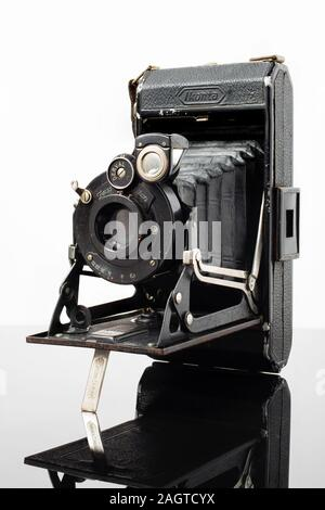 Ancien appareil photo à soufflet photographique Ikonta Banque D'Images