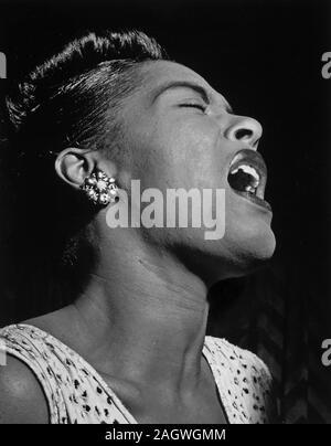 Portrait de Billie Holiday, Downbeat, New York, N.Y., ca. 10 févr. 1947 Banque D'Images