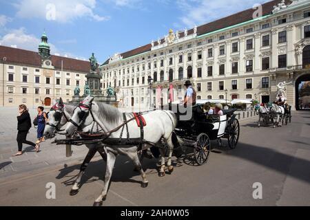 Vienne - 5 SEPTEMBRE: ride la calèche le 5 septembre 2011 à Vienne. En 2008, Vienne a été la 20e ville la plus visitée dans le monde (par Banque D'Images