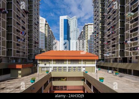 Architecture de lotissements HDB de chaque côté et Chinatown point dans le centre de l'armature Banque D'Images