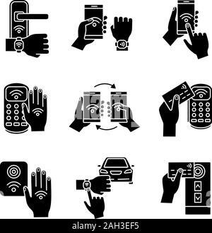 La technologie NFC glyphe icons set. Bracelet NFC, verrou de porte, transfert de données, smartphone, voiture. La communication en champ proche. Le paiement sans contact. Silhouette sym Banque D'Images
