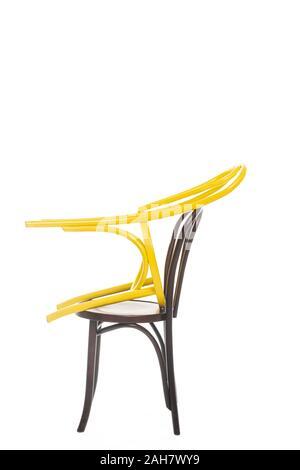 Deux chaises en bois isolé sur blanc Banque D'Images