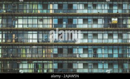 Close up de façade d'immeuble de bureaux à Brasilia, capitale du Brésil. Arrière-plan de l'architecture urbaine moderne.