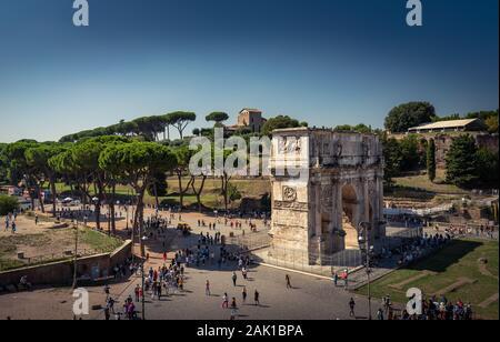 Arc de Titus dans le Forum Romain. Belle destination de voyage photo - Rome, Italie