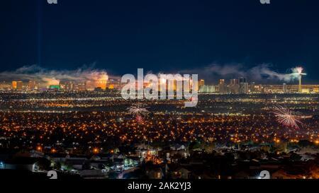 Las Vegas, JAN 1: Nuit d'artifice de la Saint-Sylvestre le Jan 1, 2020 à Las Vegas, Nevada
