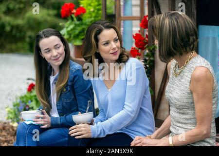 LILAH FITZGERALD, KIMBERLY WILLIAMS-Paisley, WENDIE MALICK, Darrow et DARROW, 2017 Banque D'Images