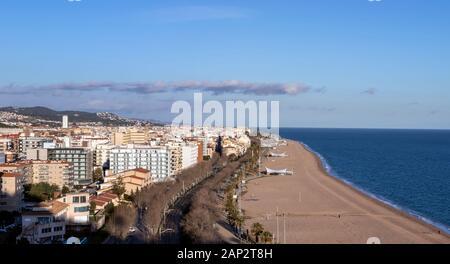 Vue Aérienne Vue panoramique de la ville de Calella, el Maresme en Catalogne, Espagne
