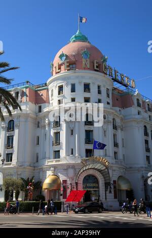 Hôtel Negresco, Promenade des Anglais, Nice, Côte d'Azur, Alpes Maritimes, Provence, Côte d'Azur, France, Europe Banque D'Images
