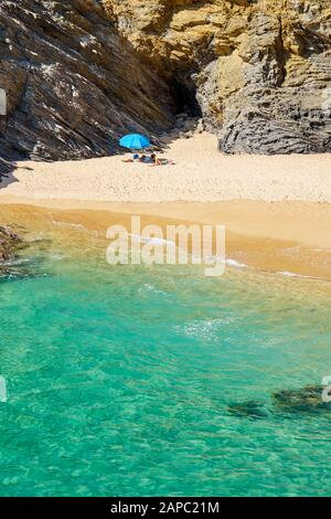 Baignoire plage près de Porto Covo, Parc Naturel de la Côte Vicentine, Portugal Banque D'Images