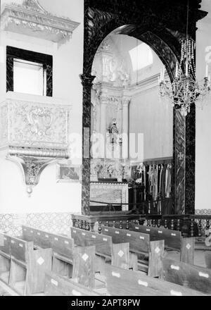 Madère Funchal. Église de pèlerinage intérieure Igreja de Nossa Senhora do Monte: Vue sur un autel latéral à gauche de la chaire Date: 1934 lieu: Funchal, Madère, Portugal mots clés: Pèlerinages, statues de saints, intérieur, bâtiments d'église Banque D'Images