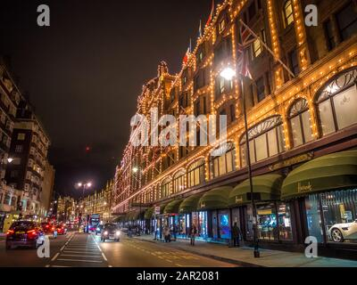 Londres, ROYAUME-UNI - 09 octobre 2017 : Londres, Royaume-Uni - 9 OCTOBRE 2017 : le célèbre grand magasin Harrods de Knightsbridge à Londres, Royaume-Uni. Harrods est TH Banque D'Images